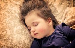 anak kurang tidur berisiko kolesterol tinggi