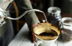 mengolah_kopi_tubruk_saring