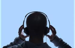 memakai headphone dalam waktu lama merusak pendengaran