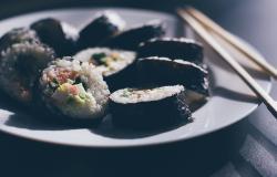 makan_malam_bikin_gemuk_sushi